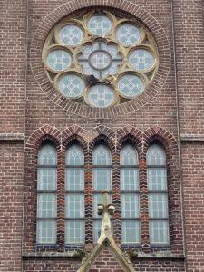 Glas in loodramen Hellevoetsluis kerk