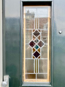 Voorbeeld glas in looddeur